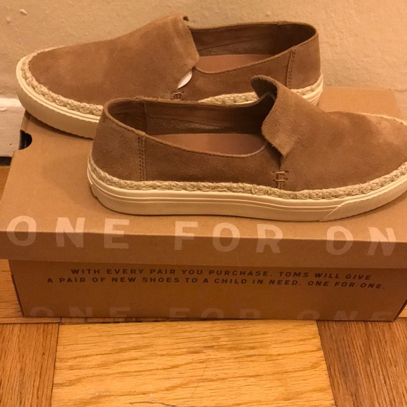 Toms Sunset In Toffee Suede Size 75
